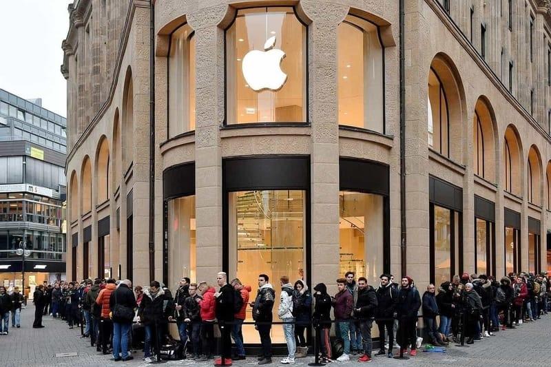 Thành triệu phú nhờ đầu tư cổ phiếu Apple: May hơn khôn